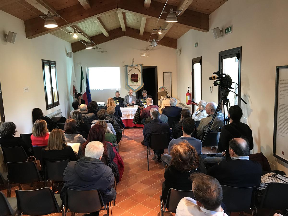 Sala gremita a Casa Finotti per il convegno su Panzini