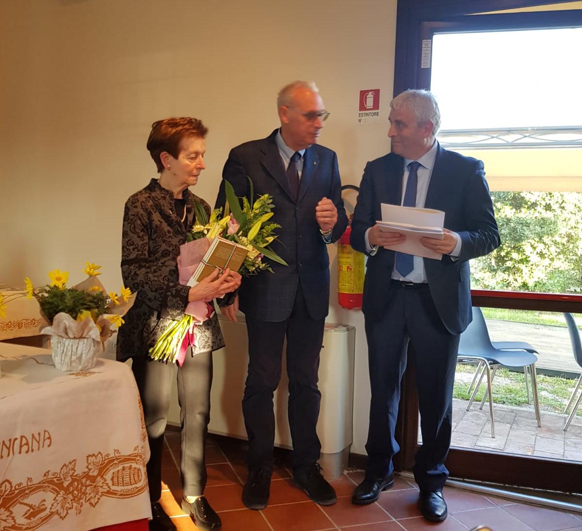 Dianella Malaguti col presidente Ferranti e il sindaco Ceccarelli